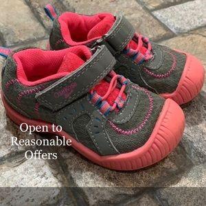 Oshkosh shoes girls size 7